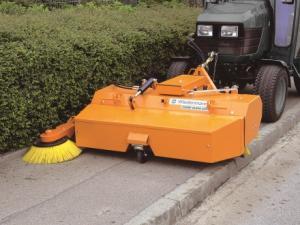 Frontkehrmaschine Combi Clean 2350